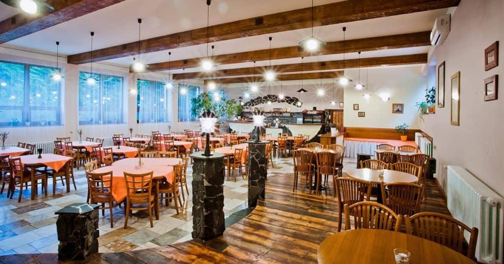 Simple restaurant design
